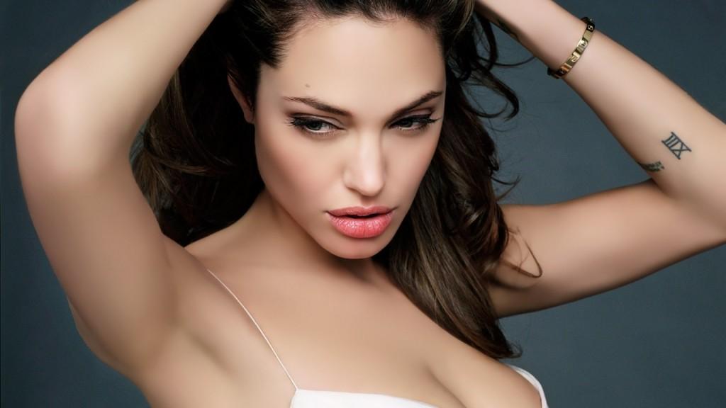Angelina_Jolie_2560x1440, blog tetonas me gustan