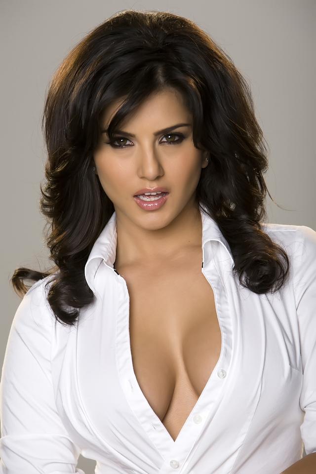 Sunny Leone, Blog tetonas me gustan