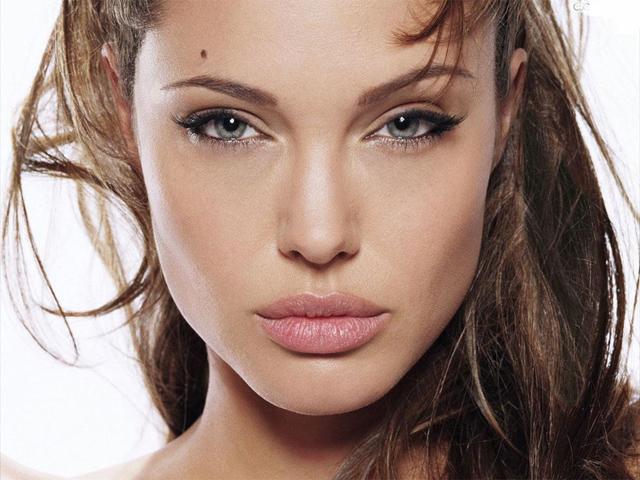 Angelina Jolie, blog tetonas me gustan