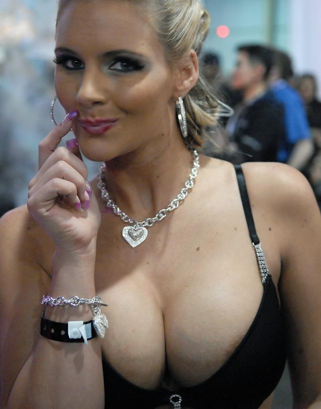 Phoenix Marie, blog tetonas me gustan