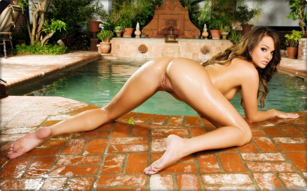 Tori_Black_wallpaper