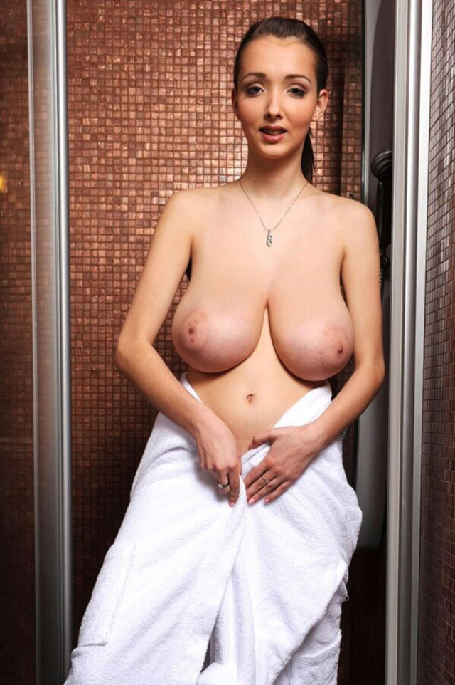 Lucy Wilde, Busty Buffy, Blog tetonas me gustan