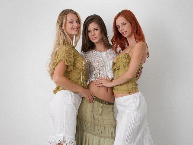 Ariel, Caprice and Carisha, blog tetonas me gustan