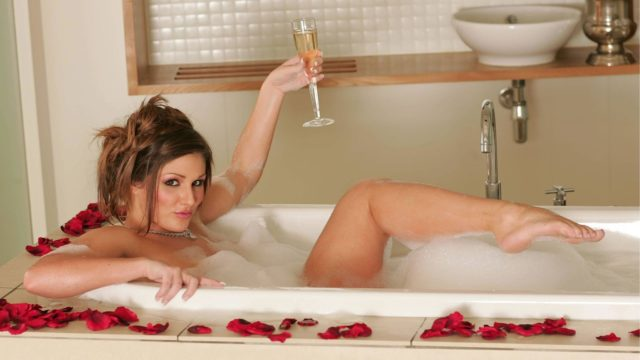 lucy_pinder wallpaper