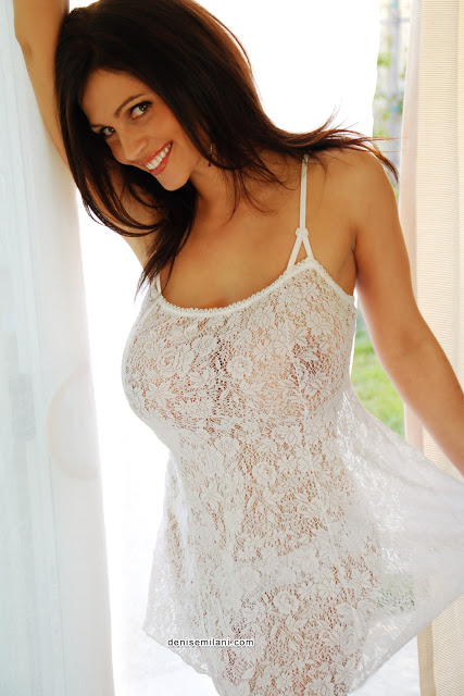 Denise Milani, Blog tetonas me gustan